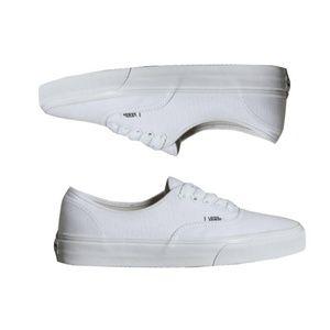 Vans │White Canvas Shoes